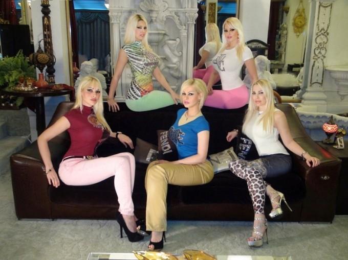 "Les ""créatures"" de la chaîne TV turque A9"