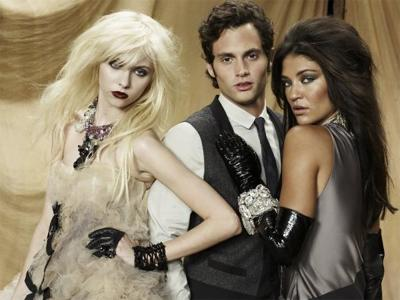 http://coulissesmedias.com/wp-content/uploads/Taylor-momsen-jessica-szohr-gossip-girl.jpg